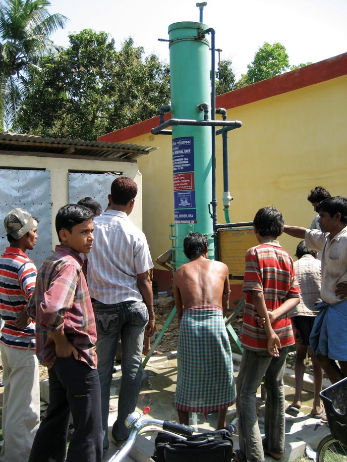 Arsenic-filtration-unit-in-West-Bengal---Water-for-People-small